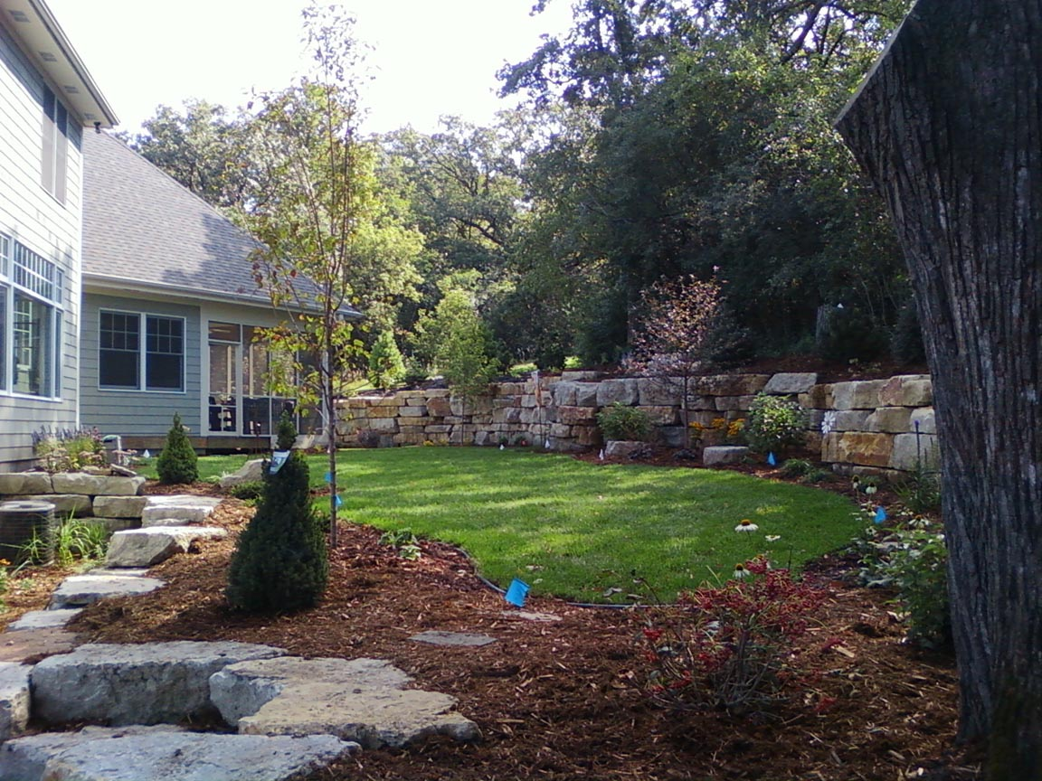 Landscaping Boulders Mn : Boulder wall with landscaping rocksolidlandscape rochester mn